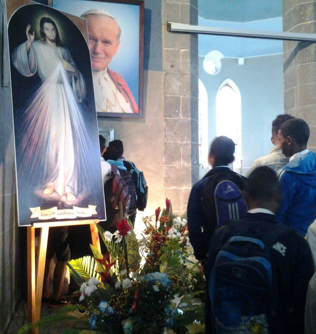 Paroisse St-Julien : Union de prière à la demande du cardinal Piat