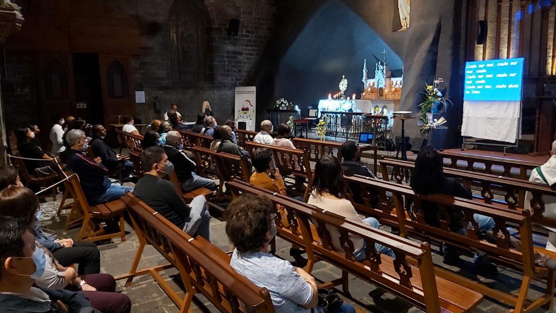 La paroisse Notre Dame de Lourdes en prière